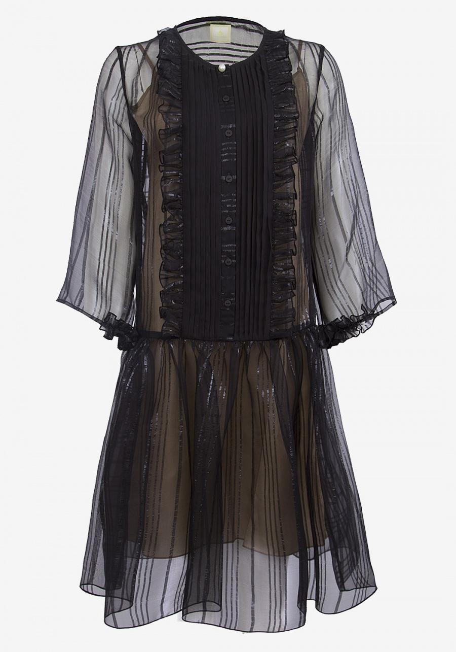 Черное платье с планкой и рюшками