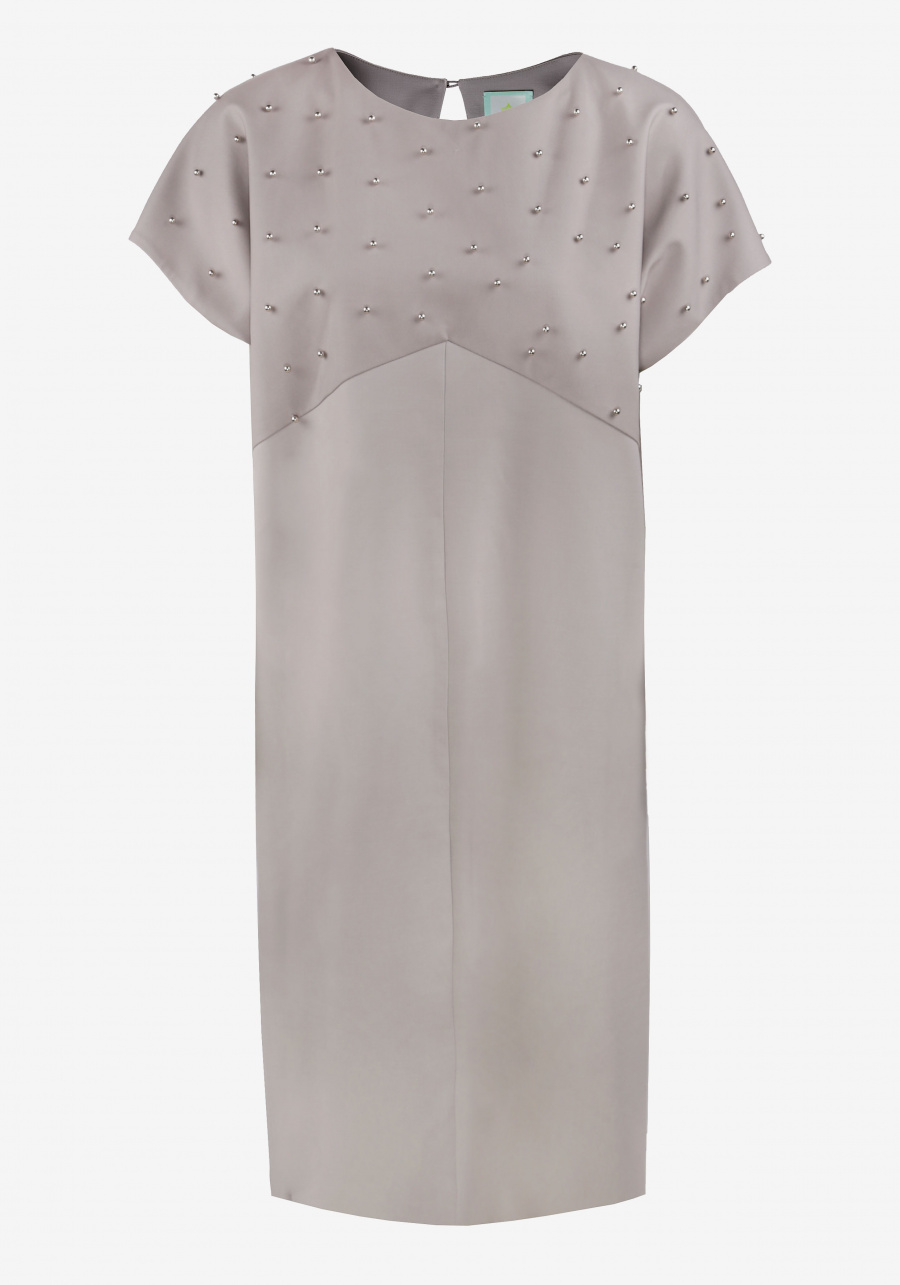 Серое платье-баллон декорированное сеткой с бусинами