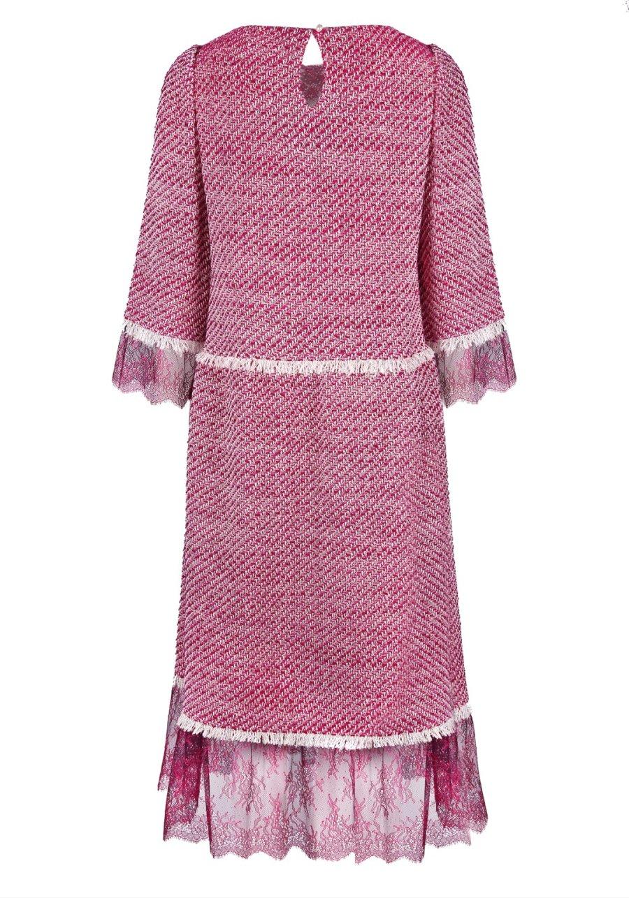 Меланжевое платье миди в стиле Шанель, декорированное кружевом
