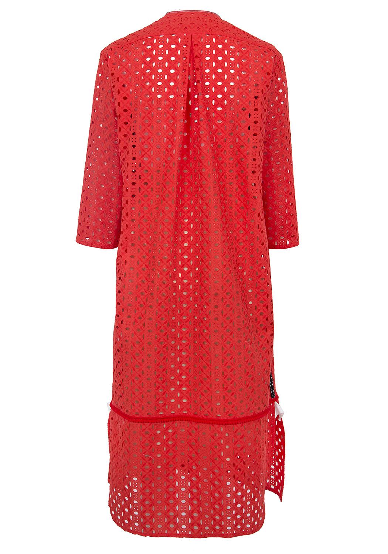 Красное платье-рубашка из шитья с декоративной манишкой и карманами
