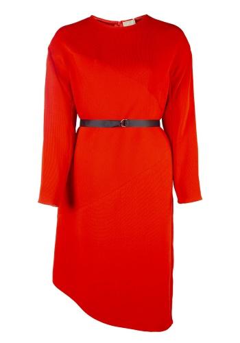 Красное геометричное платье прямого силуэта